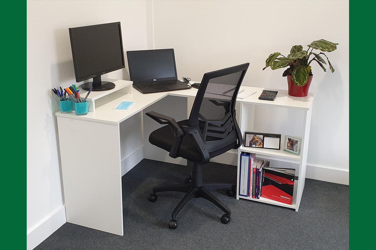 Viceroy Hot Desk 2